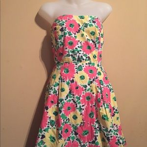 Lilly Pulitzer size 6 in great shape